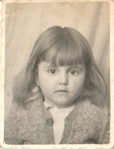 Foto Beatriz a los 2 años