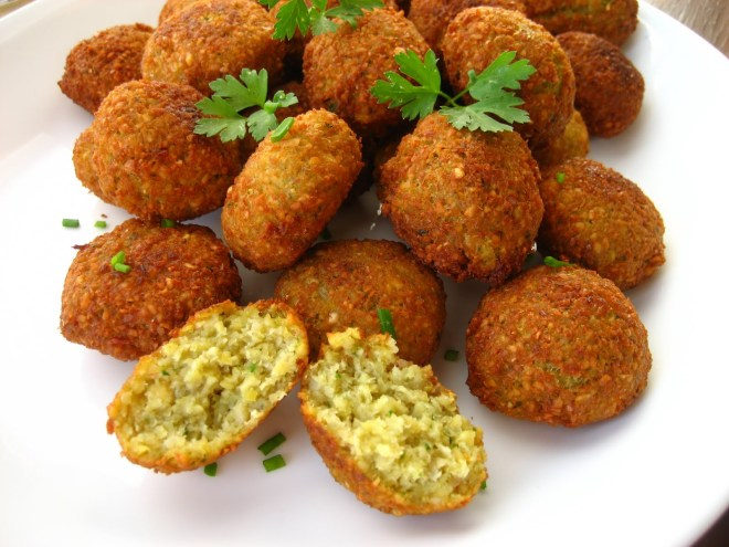 falafel,pickled turnipscarrot 055