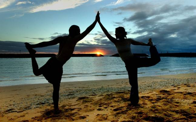 couple-exercise-story_647_101415063514